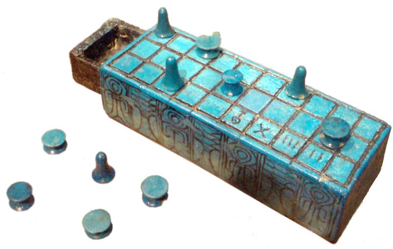 Tabuleiro de senet com o nome de Amunhotep III