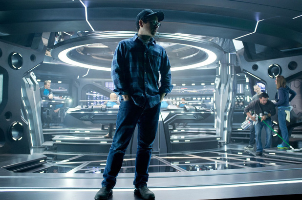 J. J. Abrams não irá dirigir o próximo Star Trek